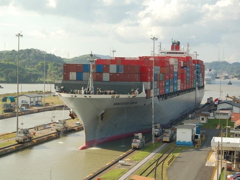 containerschiff Panama Kanal